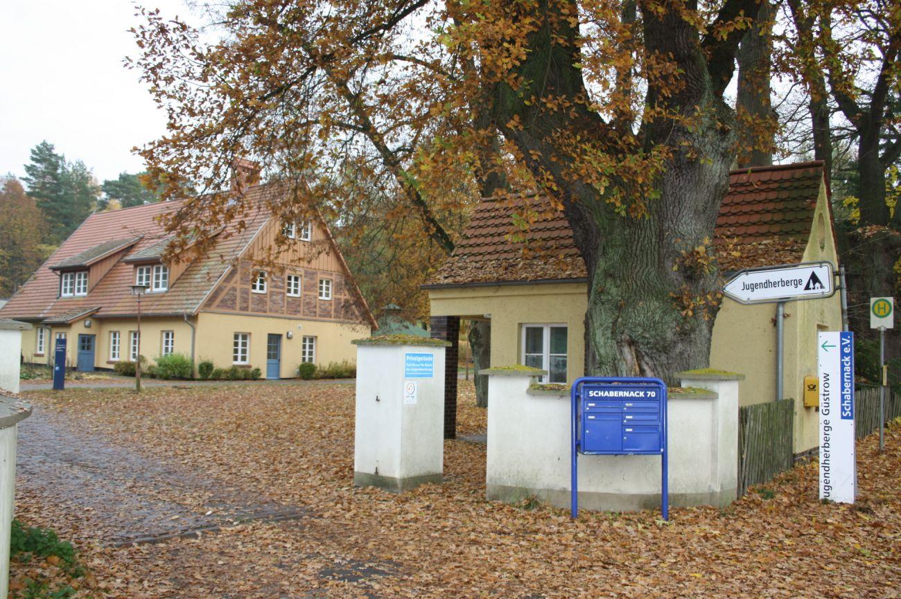 Domschule Güstrow: Jugendherberge Güstrow