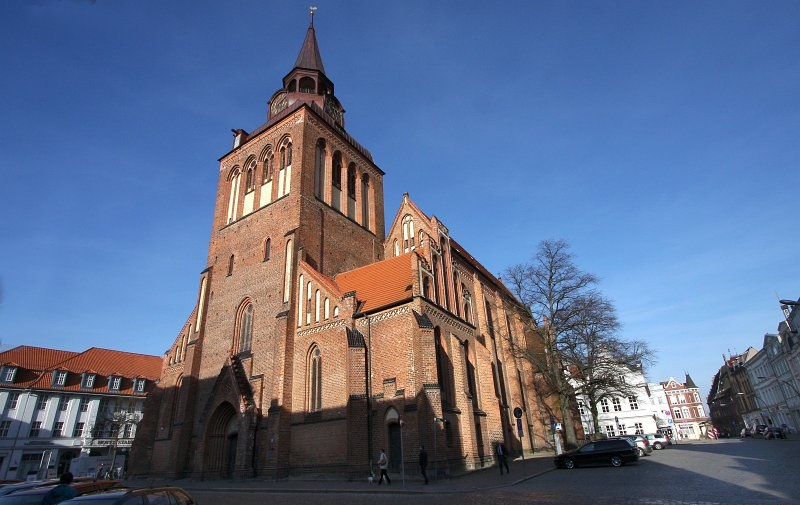 files/schaufenster-guestrow/img/haendler/pfarrkirche_st__marien/slider/02.JPG