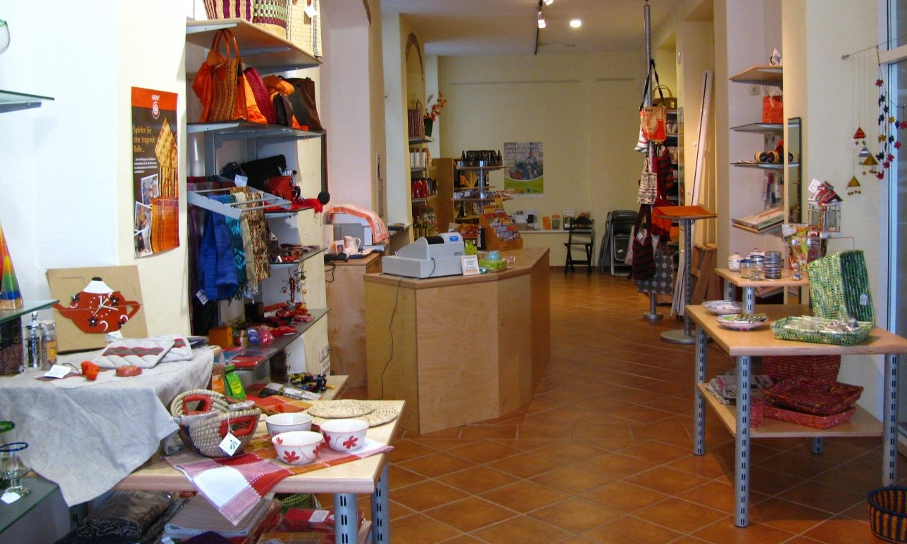 files/schaufenster-guestrow/img/haendler/weltladen_guestrow_e_v/slider/IMG_0351.JPG